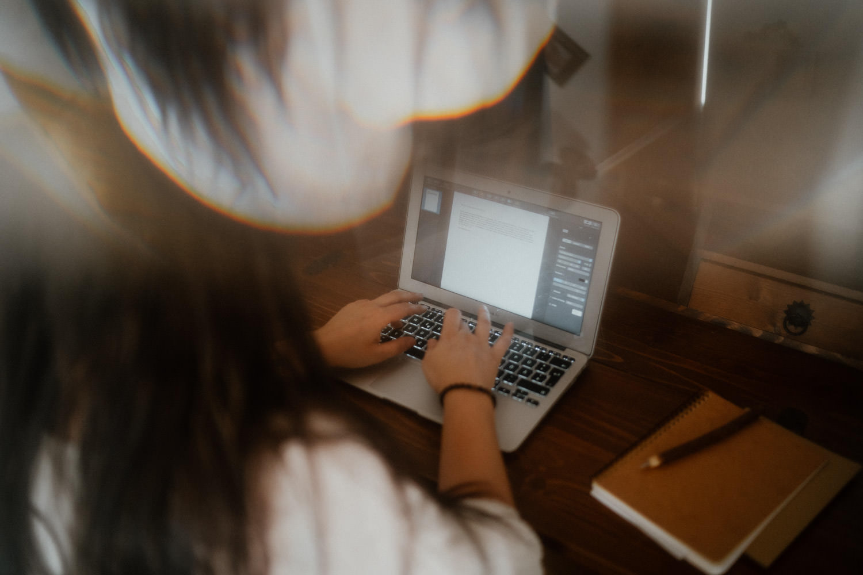 Ghostwriterin bei der Arbeit in Wien